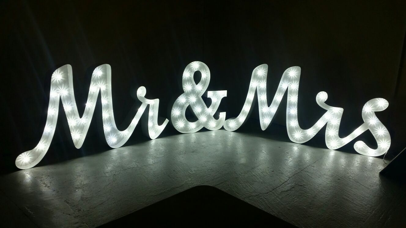 mr&mrs_lighting_soundworks